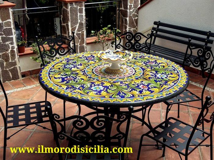 Tavoli In Pietra Per Interni.Tavolo In Pietra Lavica Ceramizzato Decorato A Mano Da Maestri
