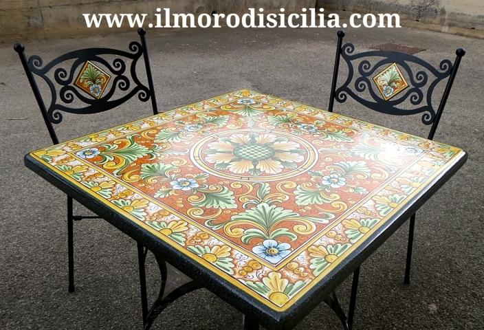 Tavoli Da Giardino Pietra Lavica.Video Decoro Fasi Di Decorazione Di Un Tavolo In Pietra Lavica